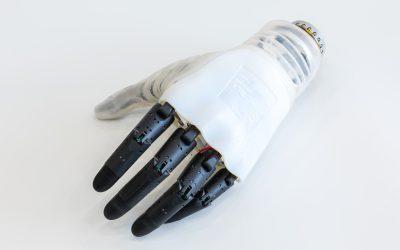 Ecco la mano bionica, un progetto firmato IIT e INAIL